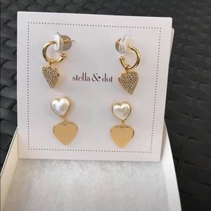 Hearts beat as one earring pack